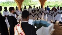 Βαφτίσεις Ορθοδόξων στην πόλη Dolisie