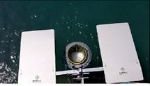 Παρουσίαση των πρώτων πλωτών κάδων απορριμμάτων στο λιμάνι της Ερμούπολης