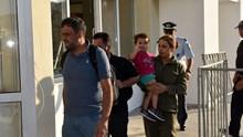 Με εμφανή τα σημάδια της εξάντλησης, οι 51 πρόσφυγες έφθασαν στη Σύρο