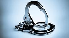 Συλλήψεις σε Μύκονο και Σαντορίνη