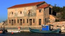 Το μνημειώδες κτήριο της Eastern Telegraph Company στα Λαζαρέτα της Ερμούπολης