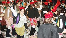 Συριανό Καρναβάλι: Ραντεβού στον μεσαιωνικό οικισμό της Άνω Σύρου