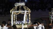 Η περιφορά του Καθολικού επιταφίου του Ι.Ν.Ευαγγελιστρίας