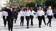 Μαθητική παρέλαση στην Ερμούπολη 2014