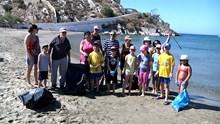 Καθαρισμός ακτών - Παραλία Βάρης