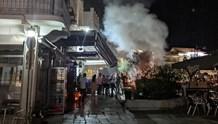 Φωτιά μετά τα μεσάνυχτα στην παραλία της Ερμούπολης
